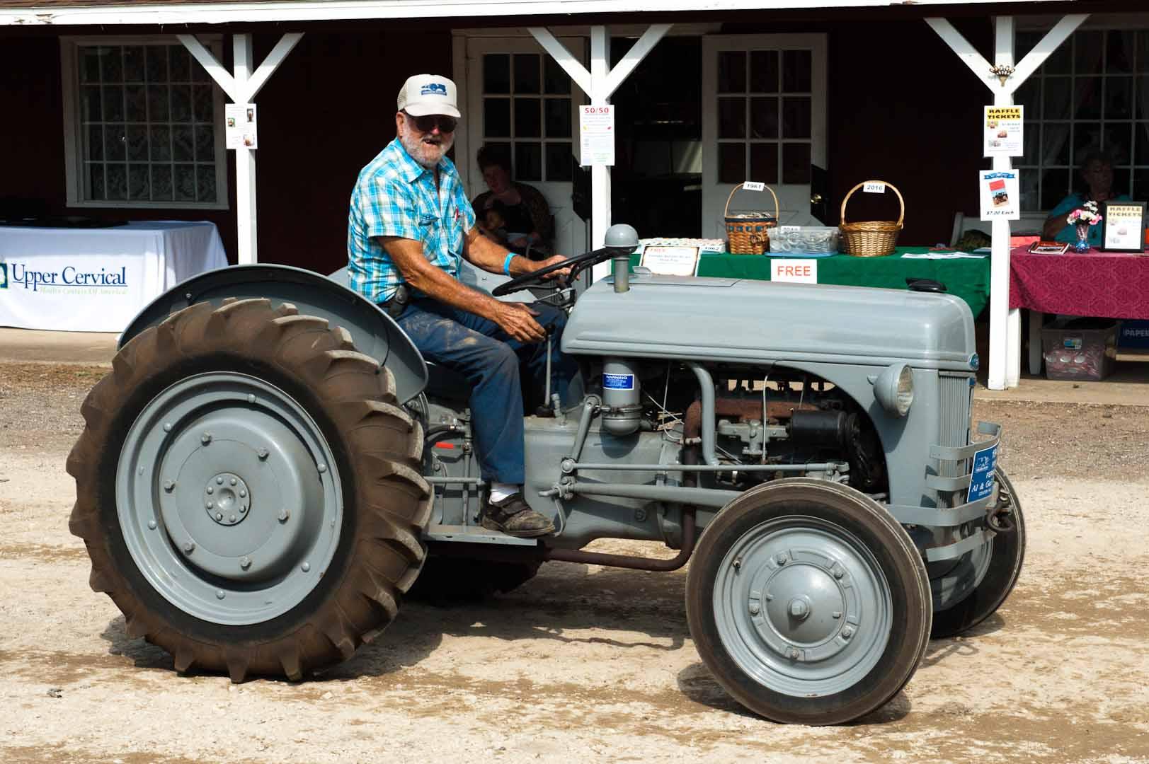 9n Ford Tractor >> Gallery Ford Ferguson 9n Tractor Ferguson Enthusiasts Of