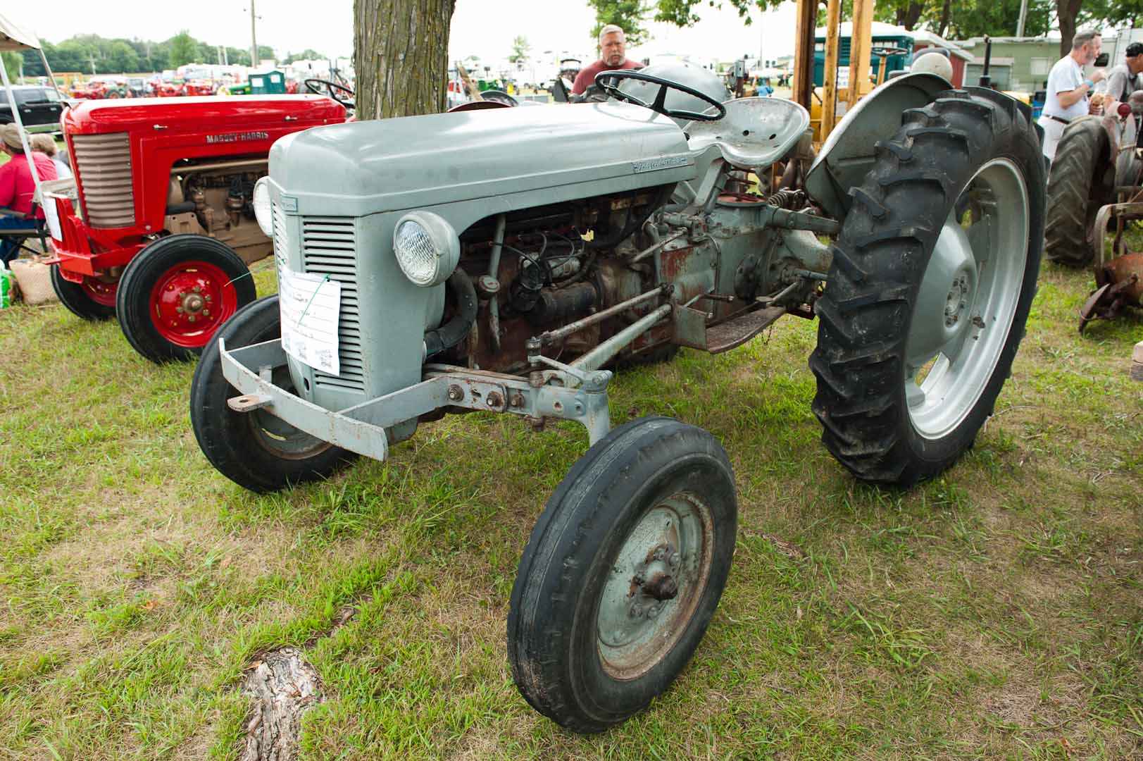 1952 TO-30 owned by Joyce Dolan of Marble Rock, IA. SN TO-96905. With custom hi-rise kit.