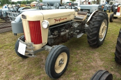 1957 F-40 Utility owned by the Lee Folkerts family of Allison, IA. SN SGM408621.