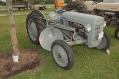 1954 TO-20 SN TO-13862 owned by Jim Storment, Jr. of Mount Vernon, IL.  Implement is a LDO-51 Ferguson Terracer.